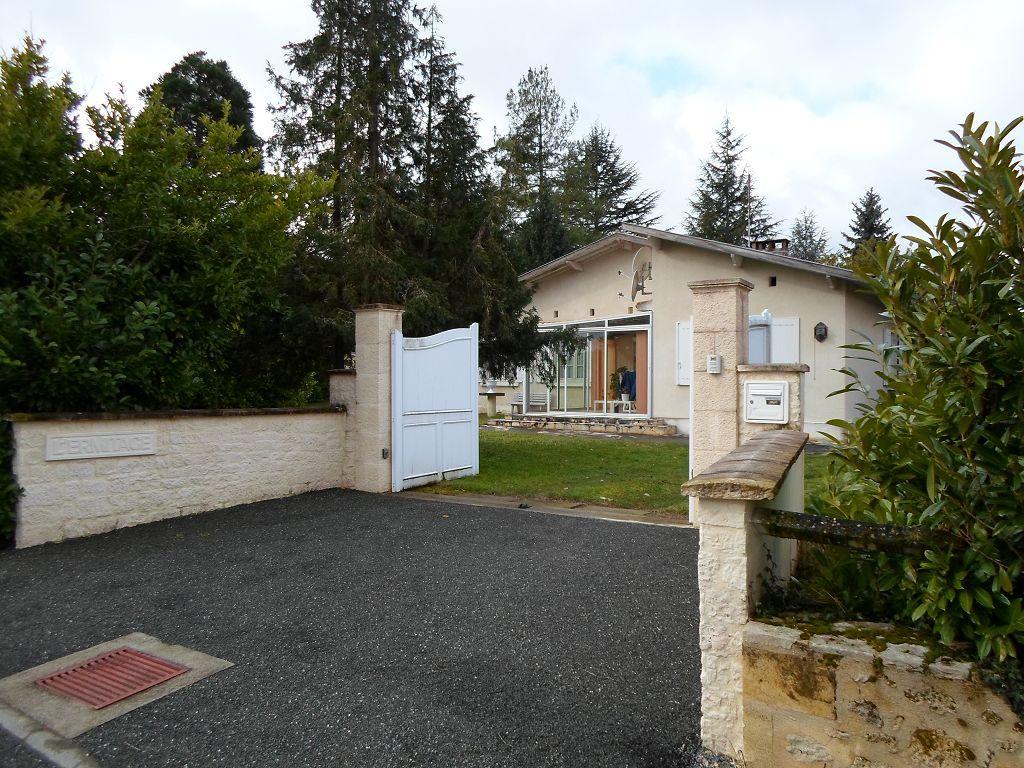 Vente maison st cibard maison 175m2 for Taxe construction maison